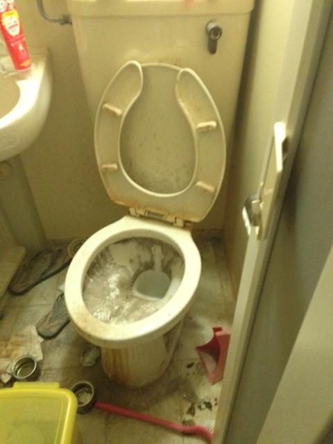 孤独死 札幌市白石区 トイレ