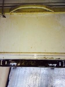 札幌市東区 冷蔵庫下 ねずみの巣1