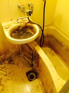 名寄市 ゴミ部屋 清掃前 風呂1