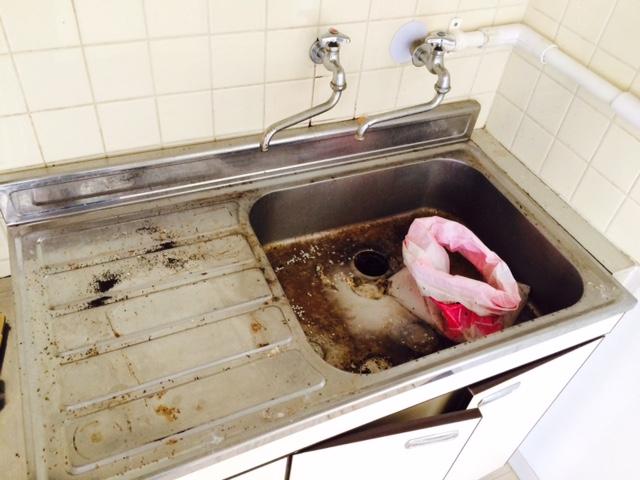 札幌市東区 汚部屋 掃除前 台所