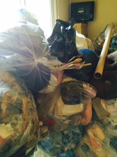 名寄市 ゴミ部屋 作業後 袋山積み