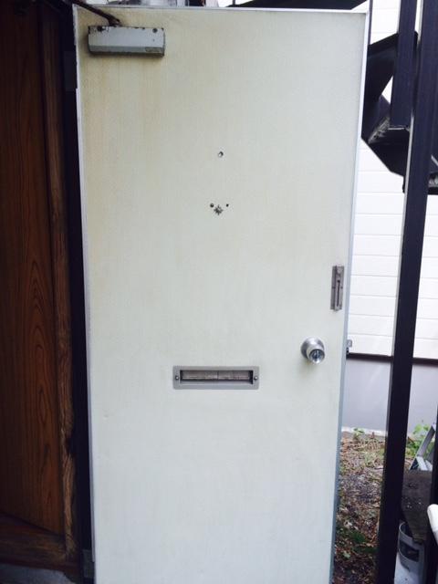 札幌市 特殊清掃 作業後 ドア