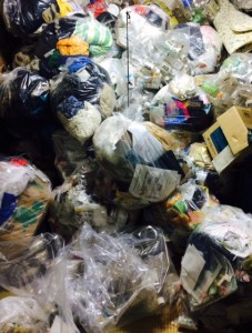 苫小牧市 ごみ部屋 ゴミ袋大量