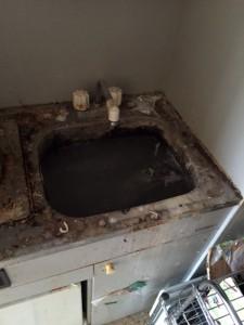 札幌市北区 ゴミ部屋 台所 清掃前