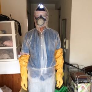 札幌市北区 ゴミ部屋 風呂 清掃前防護服