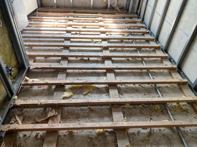 床の解体時の一例