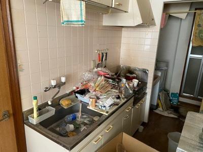 ゴミが沢山のキッチン