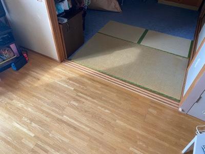 床材部分の汚染 写真だと伝わりにくい