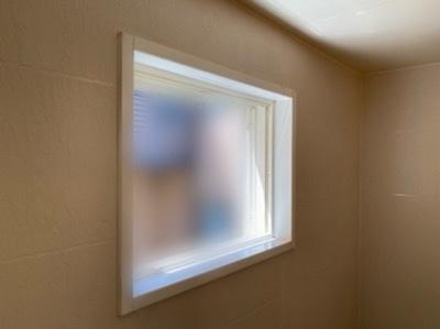 窓や網戸を全て外して清掃