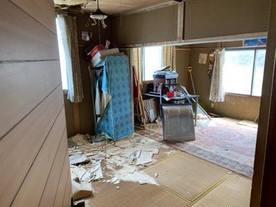2F 天井が崩落した部屋 お片付け前